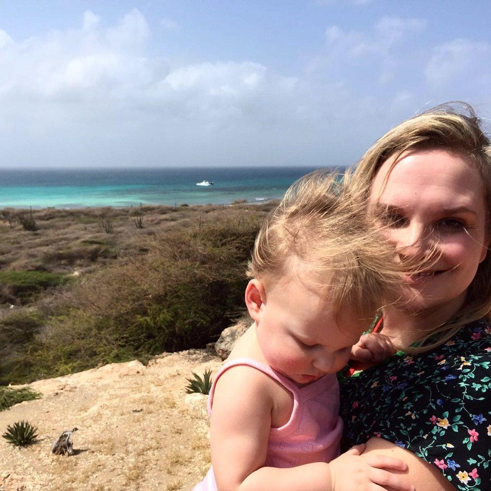 Vliegen met kinderen. Romy & Lot op Curacao