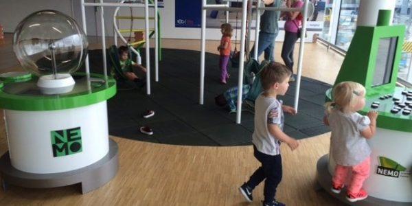 Kids Love Travel: Schiphol met kinderen