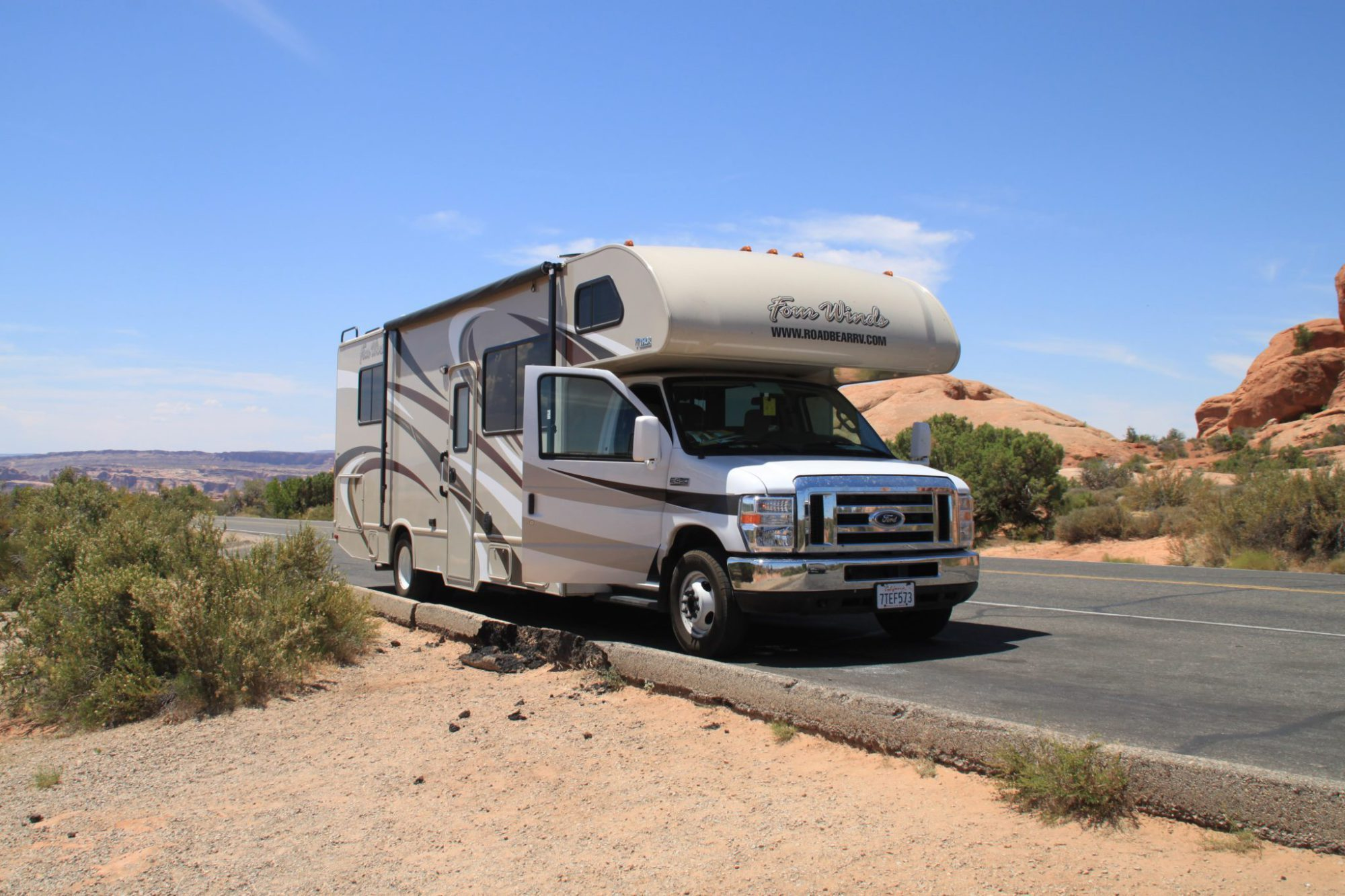 Kids Love Travel: holiday with the camper